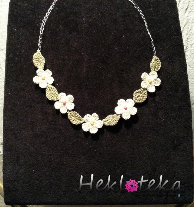 Ogrlice : Heklana ogrlica sa cveticima